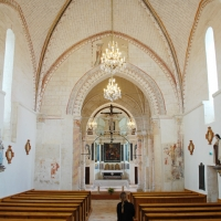 Interior of Church of Pontigné | Culinary Holidays in France