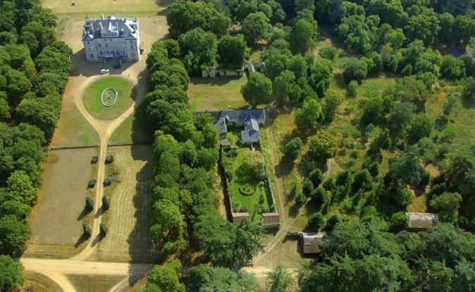 Château de La Barbée aerial view